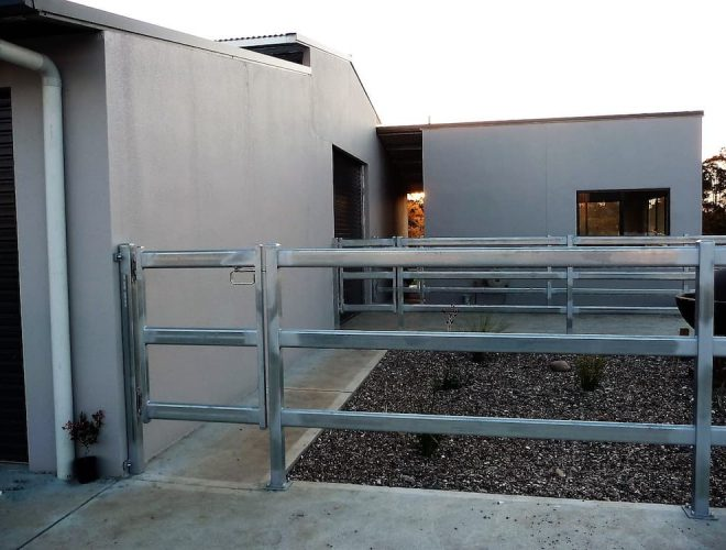 Hand rail fence steel cattle rail galvanized with swinging gate safety rail