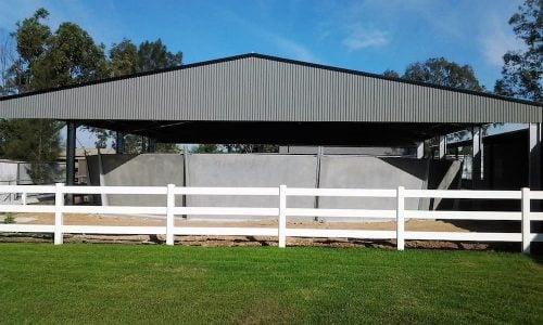 Precast concrete round yard with angled segmented walls